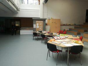 Poglej na razstavo tipank v gimnaziji Rudolfa Maistra